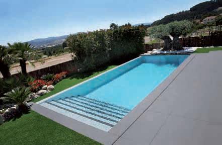 Dise o de piscinas azul agua for Diseno piscina
