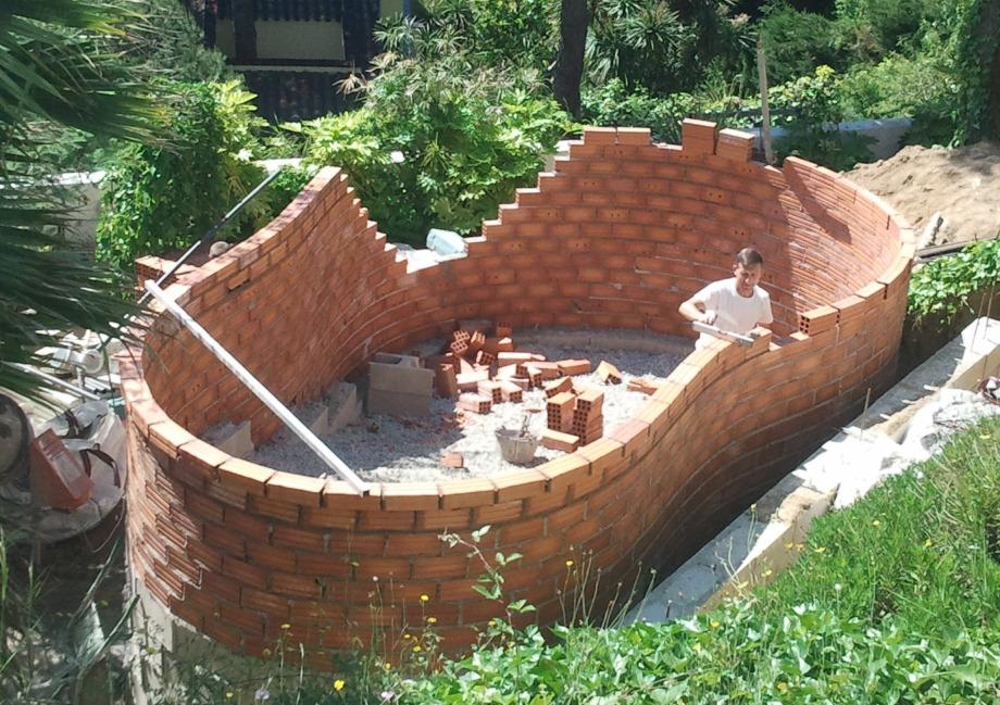 Construcci n piscinas de obra azul agua for Construccion de piscinas de obra elevadas