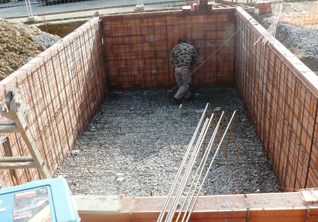 Construcci n piscinas de obra azul agua Construccion de piscinas economicas